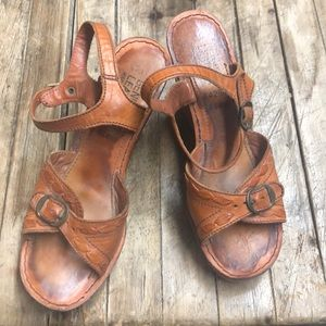 Vintage 70s chunky wood platform heels 7B